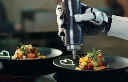 Le premier chef robotique au monde dans la cuisine