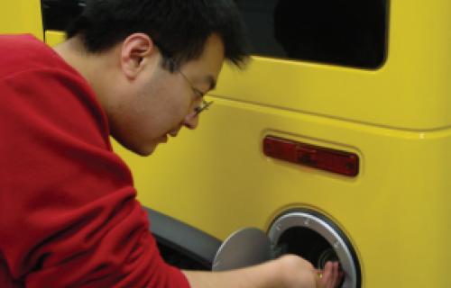 Modèles 3D d'un réservoir en alliage pour les SUV Hummer