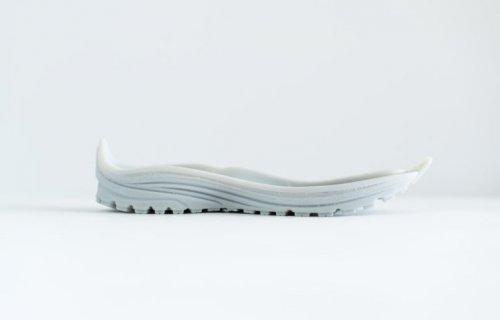 Un fabriquant de chaussures de running internalise ses prototypes