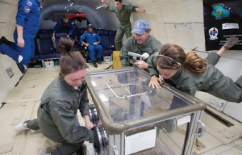 Des élèves utilisent l'impression 3D pour une expérience spatiale