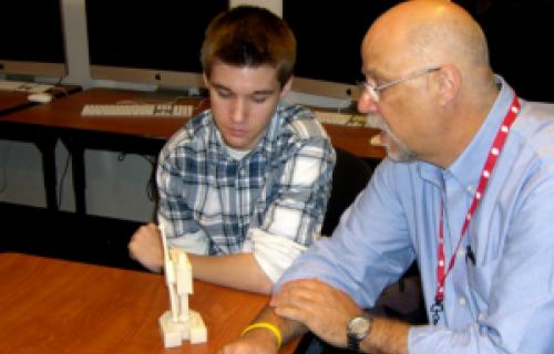 Le programme d'ingénierie CREST utilise les imprimantes 3D Dimension pour former des ingénieurs