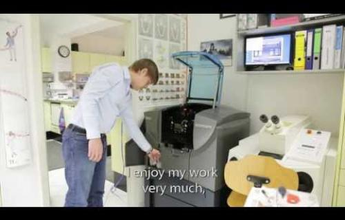 Objet Eden 500V Dentaire en vidéo